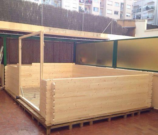 Pavimento di palets per casette di legno.