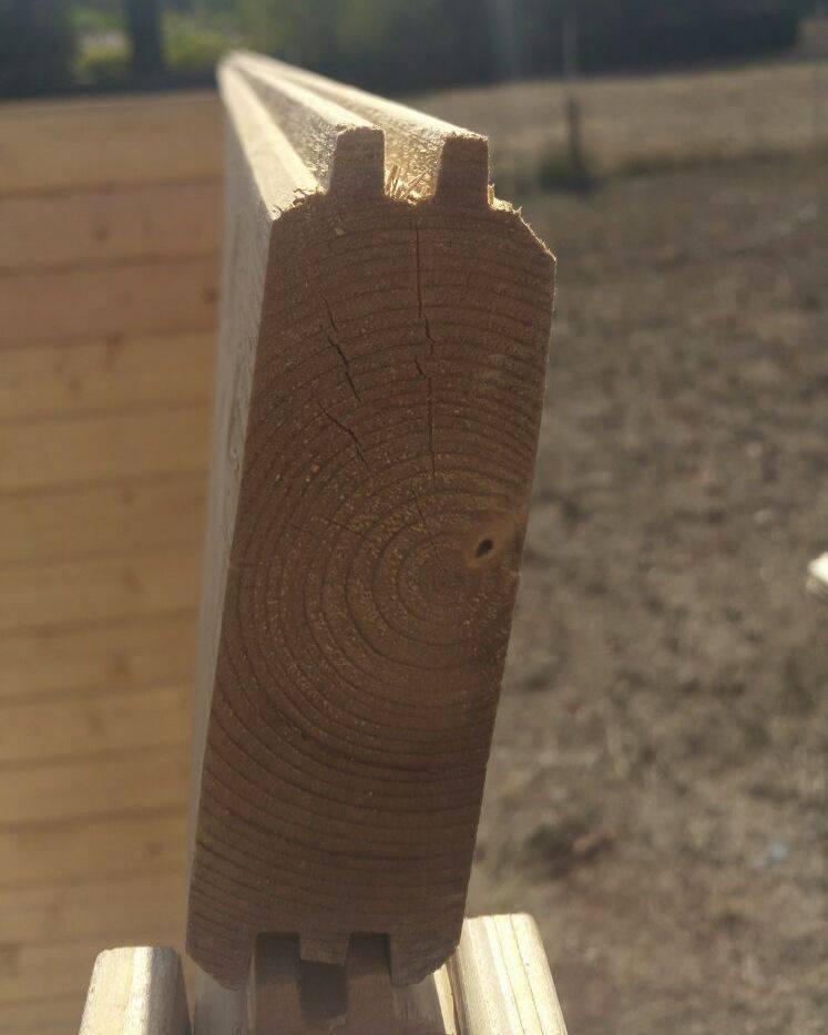 Doghe di legno piegate